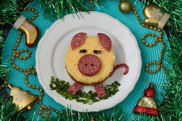 Insalata a forma di maiale, idea culinaria per bambini