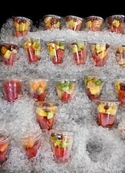 Insalata di frutta sul ghiaccio, new orleans, louisiana