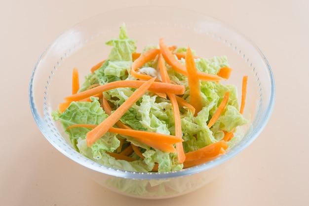 Insalata di insalata di cavolo, insalata di cavolo e carota