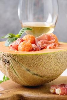 Insalata di melone e prosciutto