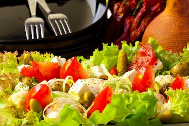 Insalata greca. concetto di cibo sano