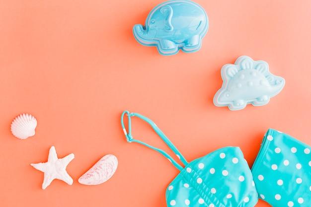Insieme degli oggetti rosa di ob di festa della spiaggia di estate fondo