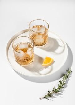 Insieme del colpo dello studio delle bevande alcoliche