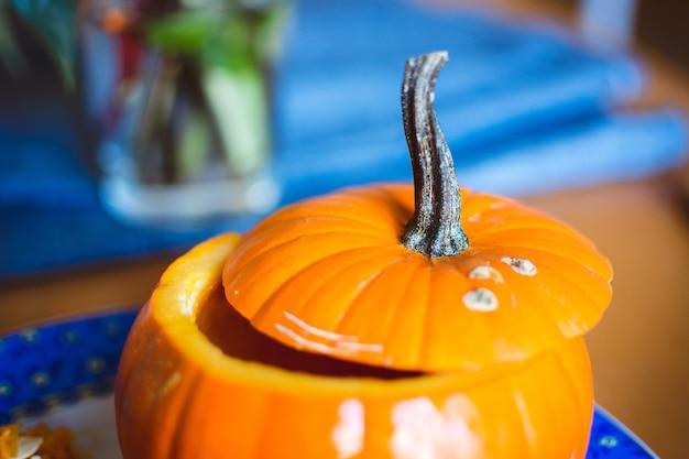 Intaglio di zucca di halloween