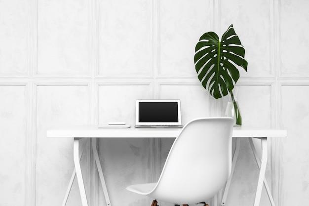 Interior design di home office creativo
