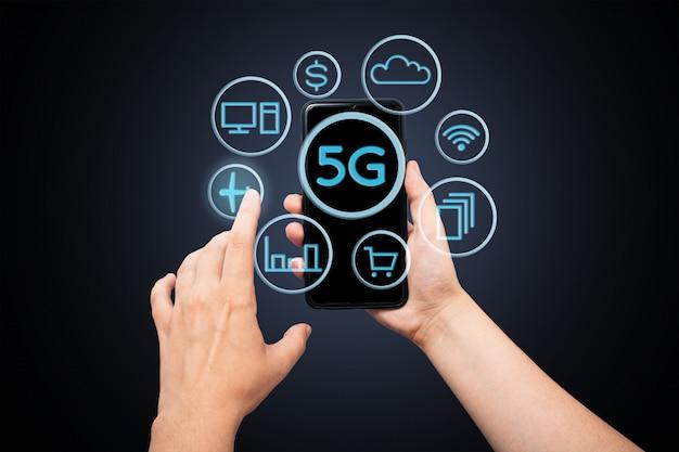 Internet 5g, che collega la comunicazione con molte applicazioni.
