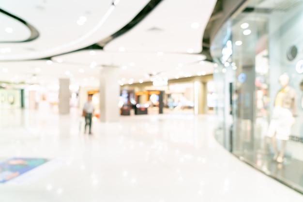 Interno astratto del centro commerciale o del grande magazzino della sfuocatura