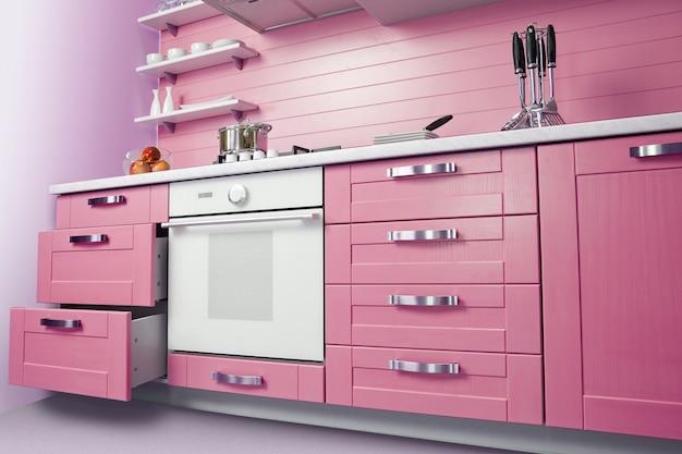Interno di cucina moderna con decorazioni magenta