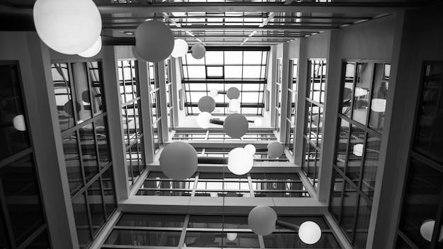 Interno di un edificio alto e moderno. foto di alta qualità