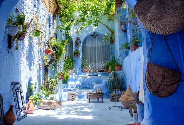 Interno interno tradizionale dell'iarda nel marocco