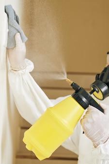 Interruttore della luce di pulizia specialista