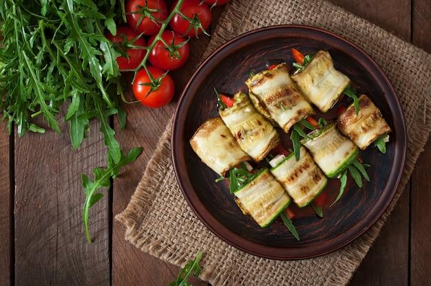 Involtini di zucchine con formaggio e aneto