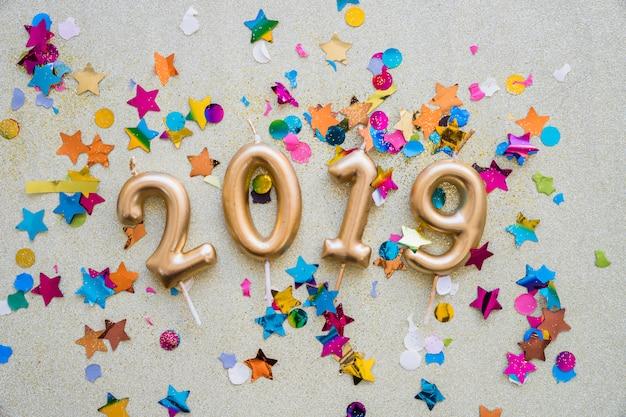 Iscrizione 2019 da candele con lustrini