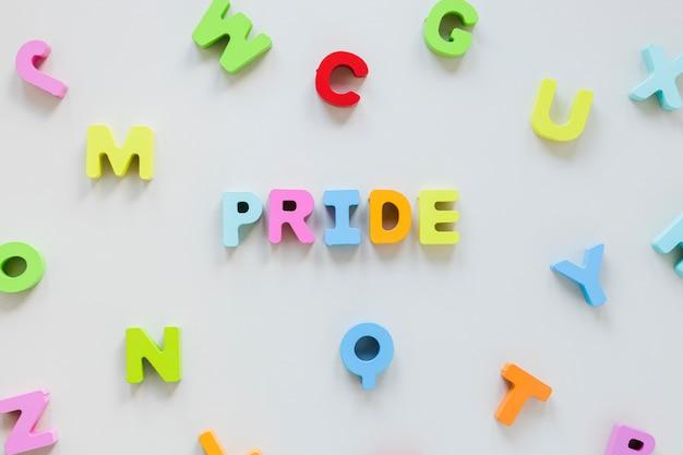 Iscrizione dell'orgoglio di lettere minuscole