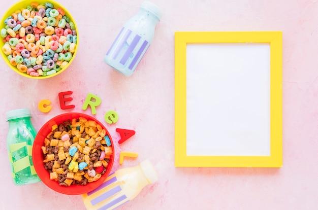 Iscrizione di cereali con cornice sul tavolo