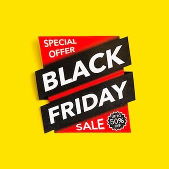 Iscrizione di vendita di black friday su fondo giallo