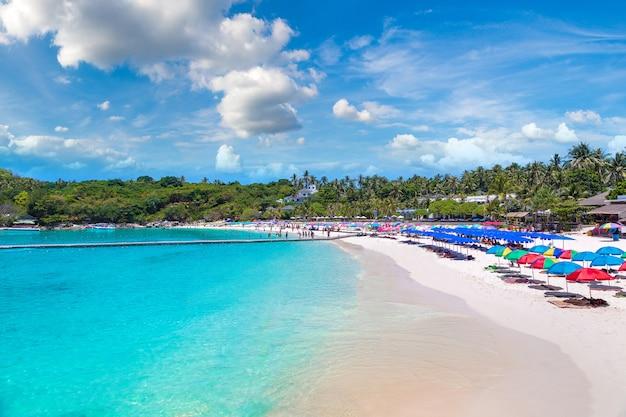 Isola del resort di racha vicino all'isola di phuket, tailandia