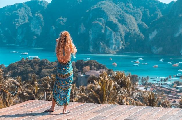 Isola tropicale della parete di vacanza di viaggio con la provincia tailandia di krabi dell'isola di phi-phi delle località di soggiorno