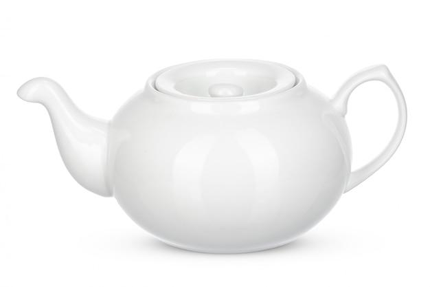 Isolato ceramico bianco del bollitore su bianco