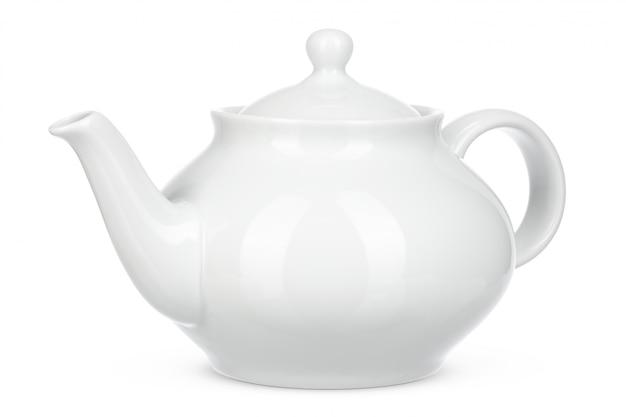 Isolato ceramico bianco del bollitore su fondo bianco