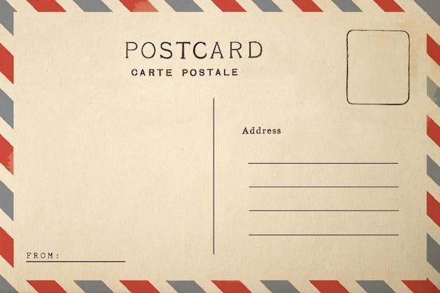 Isolato della cartolina di posta aerea su fondo bianco