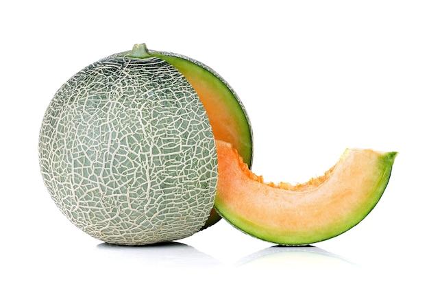 Isolato di melone su uno sfondo bianco.
