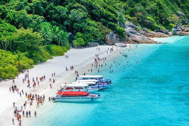 Isole similan, thailandia. paesaggio tropicale viaggiare nel concetto di asia. punto di riferimento della thailandia.