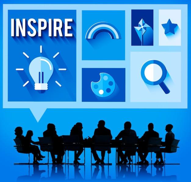 Ispirare il concetto promettente di visione creativa di ispirazione