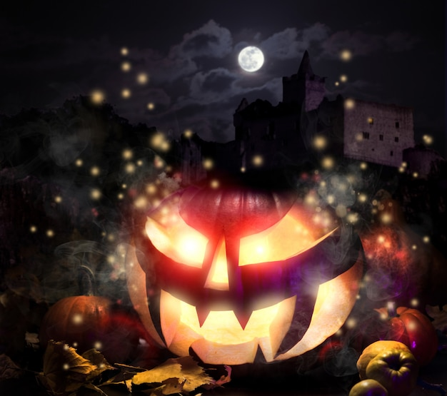 Jack o'lantern nella notte di halloween