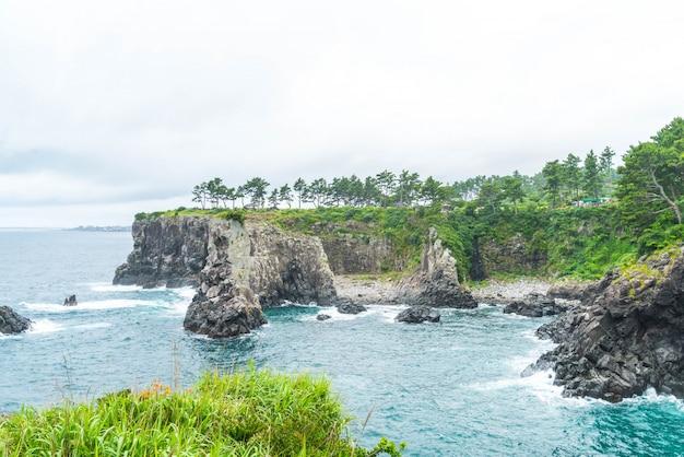 Jeju-do oedolgae rock (famoso punto di riferimento naturale) nell'isola di jeju,