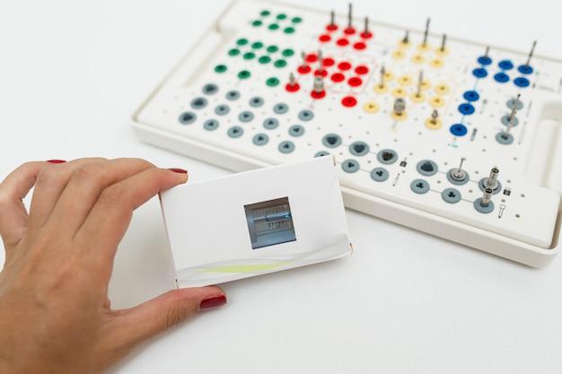 Kit di strumenti protesici dentali
