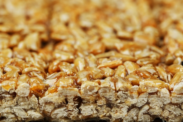 Kozinaki di semi di girasole dorati e tostati. riprese macro,
