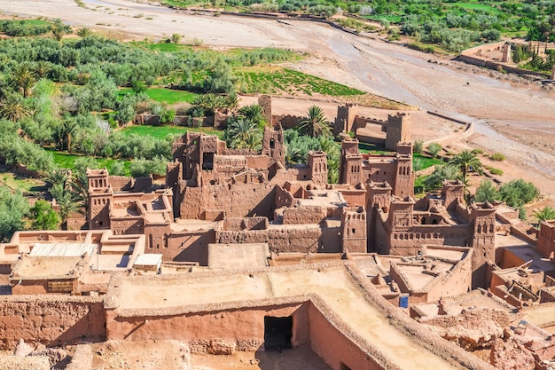 Ksar ait benhaddou vista dall'alto, ouarzazate, marocco.