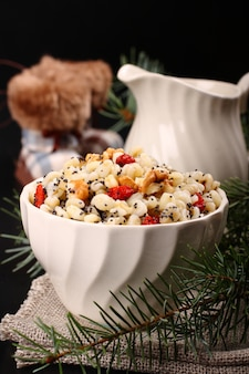 Kutia. pasto dolce tradizionale natalizio in ucraina, bielorussia e polonia