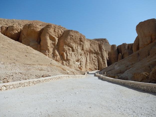 L'antica necropoli valle dei re a luxor, in egitto