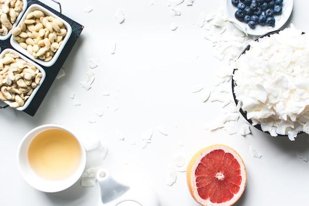 L'ora del tè con una sana merenda