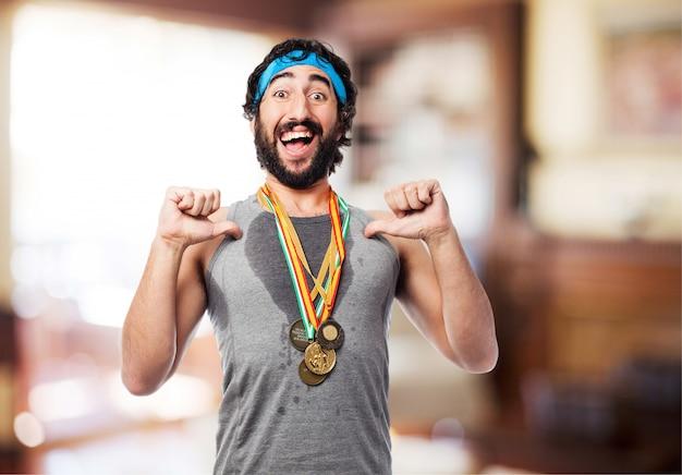 L'uomo atleta con medaglie