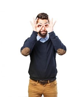 L'uomo con il binocolo fatti con le loro mani