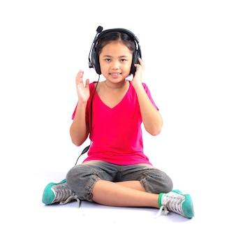La bambina si sta godendo la musica