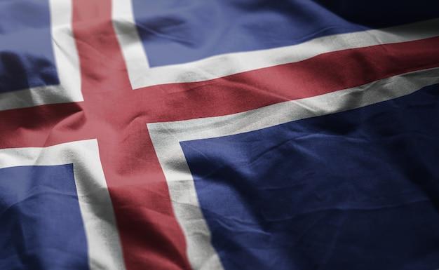 La bandiera dell'islanda arruffa vicino su