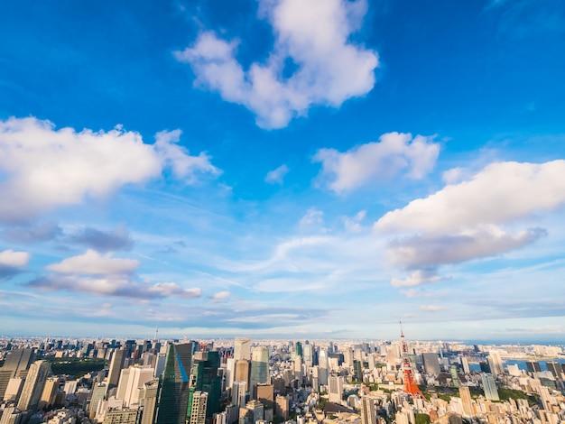 La bella architettura e la costruzione intorno alla città di tokyo con tokyo si elevano nel giappone