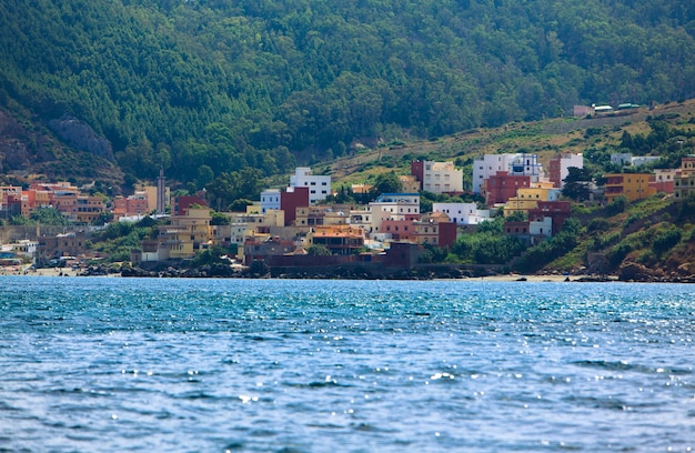 La bella linea costiera dell'oceano in belyouneche, il marocco, maroc
