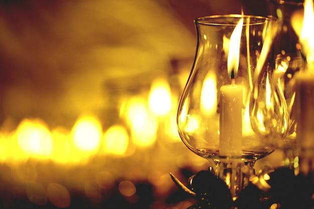 La candela ha acceso la passeggiata tailandese della cultura nel giorno di asalha puja, il giorno di magha puja, il giorno di visakha puja