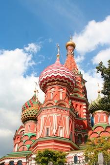 La cattedrale di san basilio sulla piazza rossa a mosca