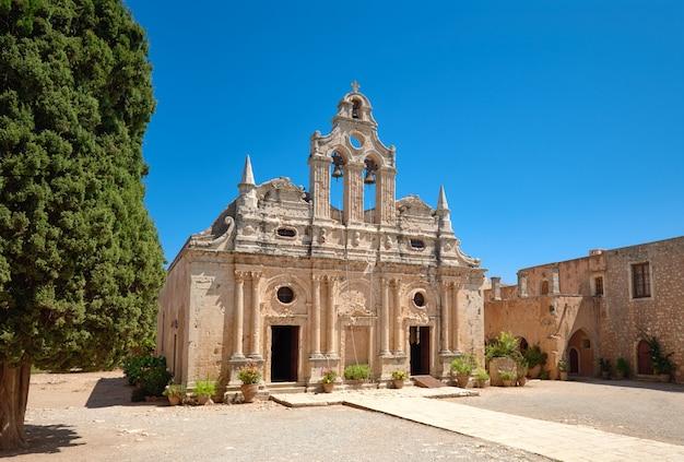 La chiesa principale del monastero di arkadi a rethymno, creta, grecia