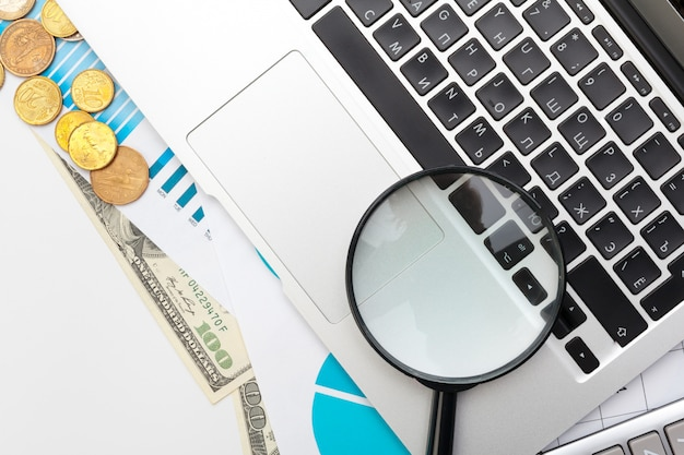 La contabilità finanziaria di affari dell'ufficio dello scrittorio calcola