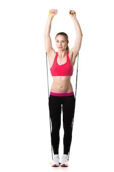 La donna con le braccia alzate