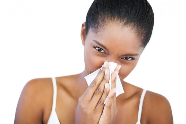 La donna ha il raffreddore