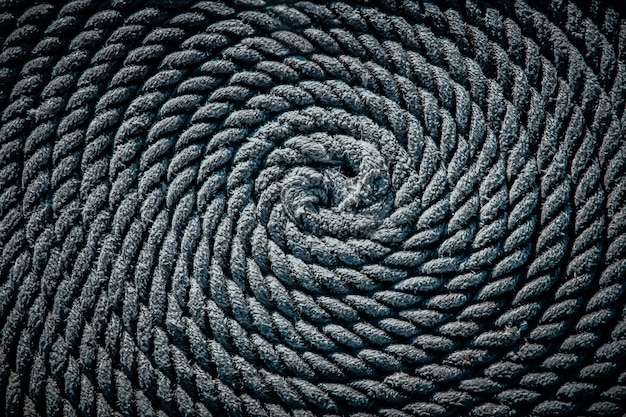 La fune per la barca posta sotto forma di spirale. sfondo.