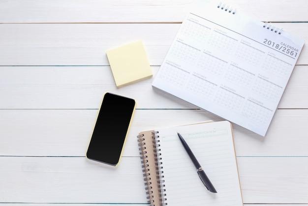La gestione del pianificatore del calendario ricorda l'agenda di pianificazione e pianifica il piano di eventi del calendario
